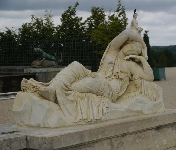 002 Statue_-_Ariane_Endormie_-_coupée 180